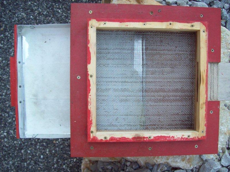 Ruche écologique et barrettes: Lutte VARROAS 100_5513