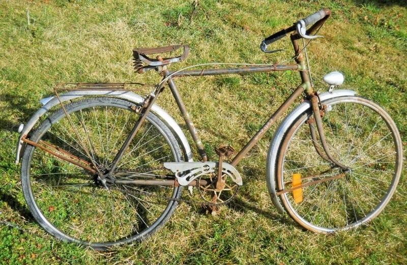 ROCHET  homme 1939 en 700 B  Dscn7250