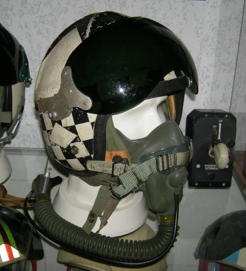 427 Squadron pilot's helmet - Gentex H-4-1 441-h-11