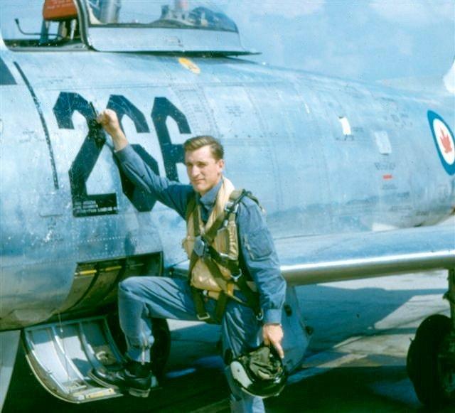 427 Squadron pilot's helmet - Gentex H-4-1 441-ro10