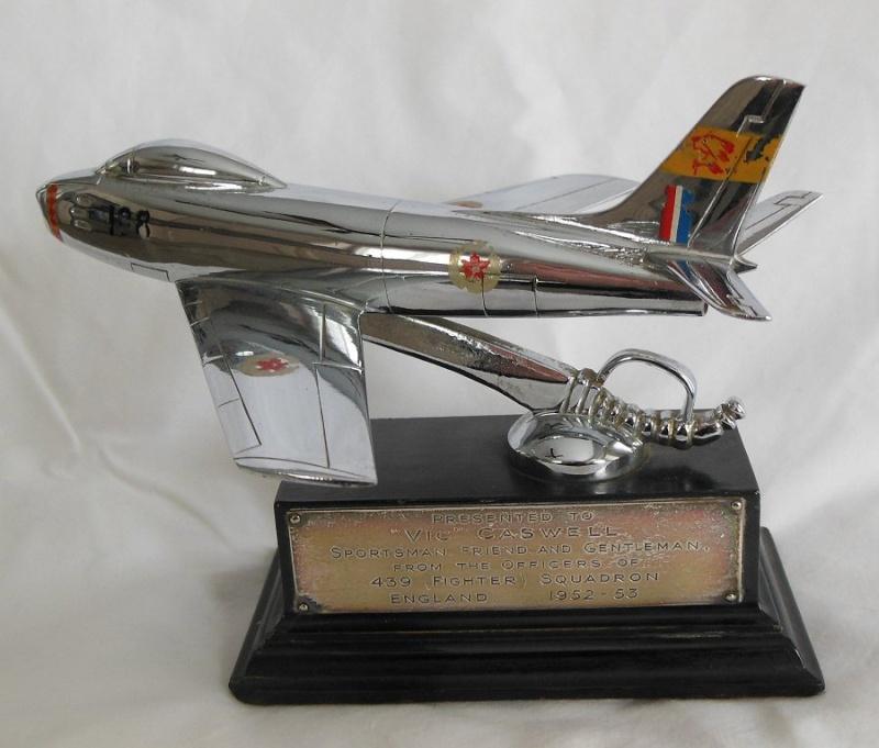RCAF Presentation models Vic-111