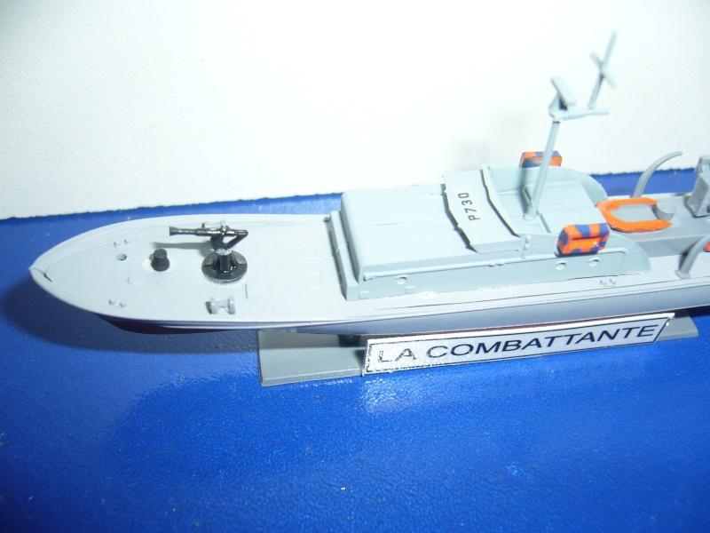 Vedette LA COMBATTANTE HELLER 1/400EME. P1080815