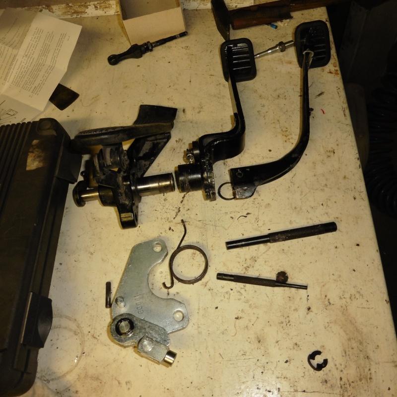 denis du bas rhin et sa Karmann Ghia de 73 sortie de grange - Page 25 P1030612