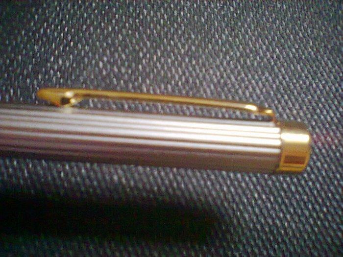 je vend stylo plume anglais grande marque et rare Photo026