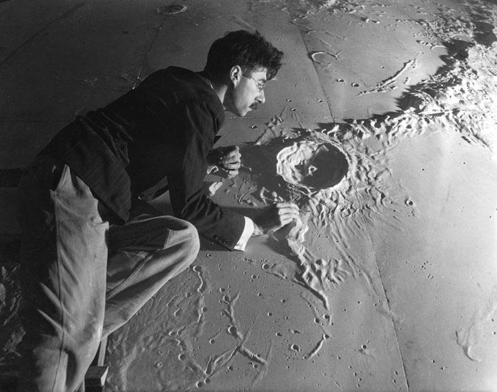 Transparent/Translucent Moon 1939-m10