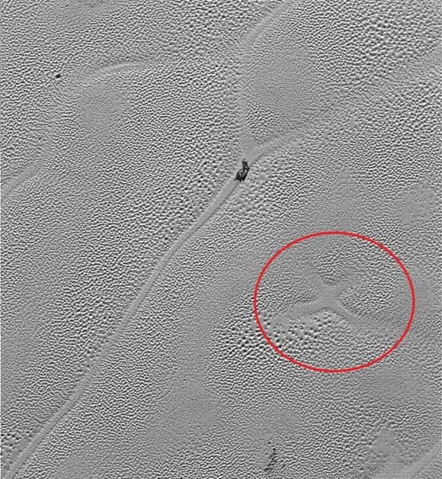 New Horizons : survol de Pluton (2/2) - Page 3 114