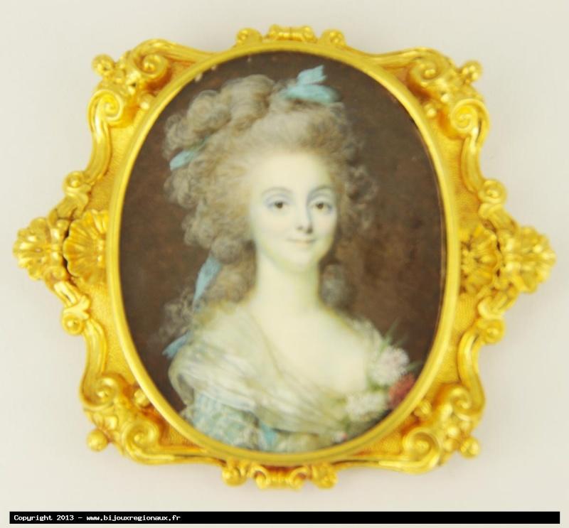 Broche avec le portrait miniature de Marie-Antoinette Broche10