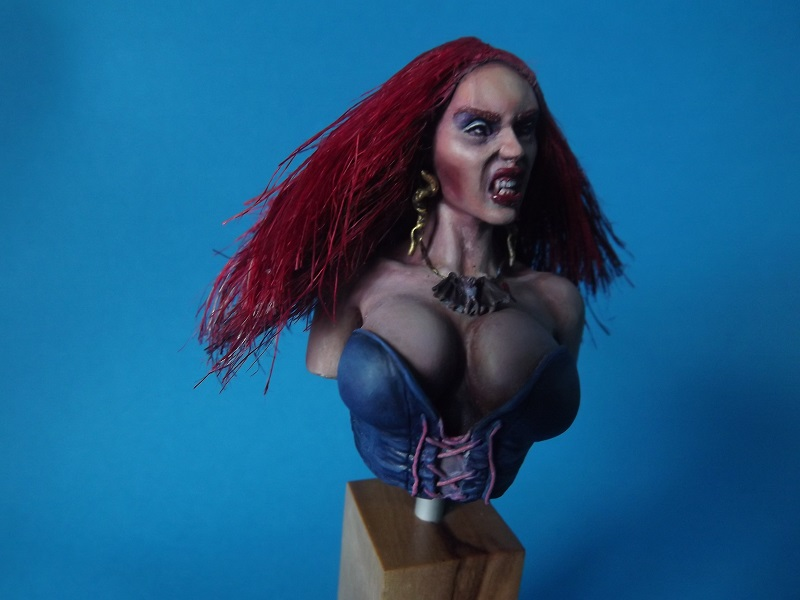 Buste de Pin-UP Vampire Vampir11