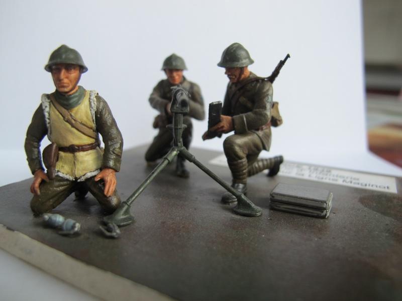 Figurine Heller. Groupe mitrailleuse Hochkiss 1939 au 1/35e Img_2514