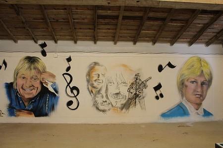Graffiti chanteurs ( euses) 80,90 Chante10