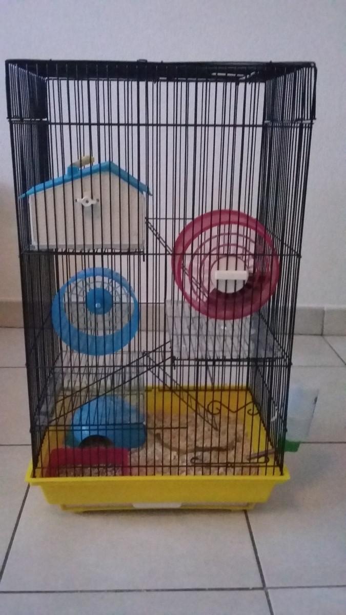 Est ce que cette cage conviendrait ? La_cag12