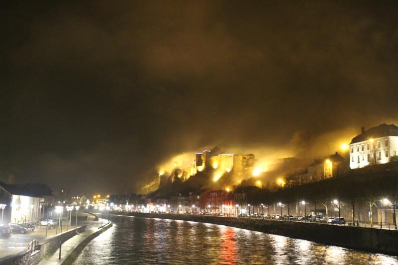 Le château en feu... Img_0511