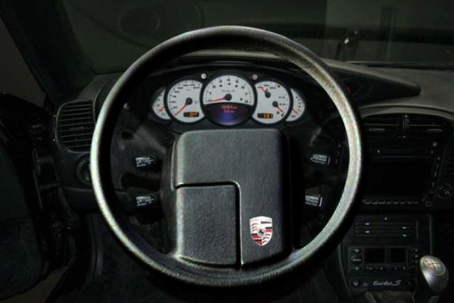 Démonter le volant 4 branches et remplacer par un 3 branches - Tuto Boxster 986 Volant11