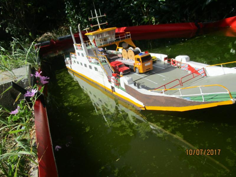Barge-grue portuaire Orno (scratch RC 1/50°) de Caboteur44 Img_0211