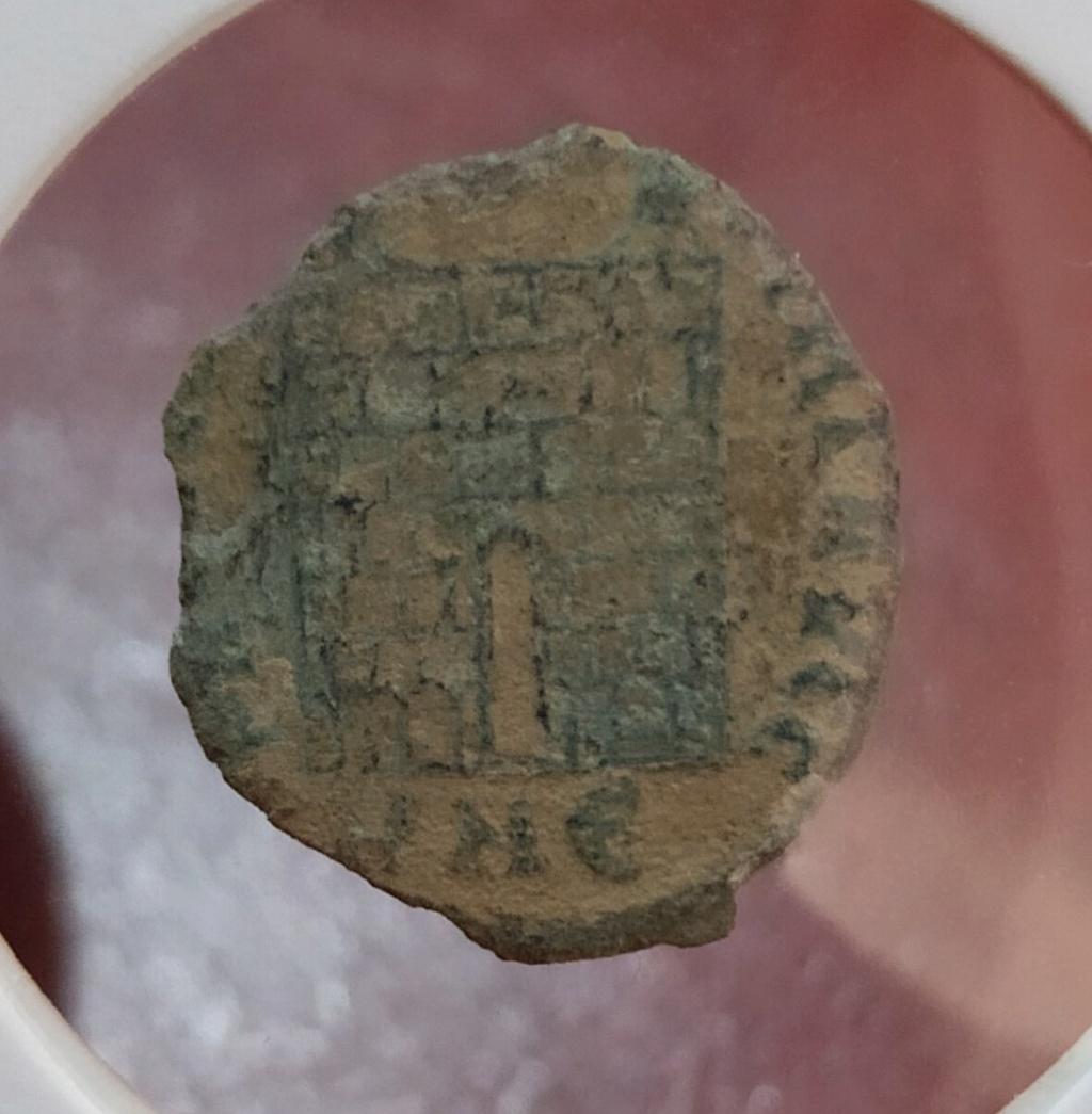 AE3 de Constantino I. PROVIDENTIAE AVGG. Nicomedia Img_2030