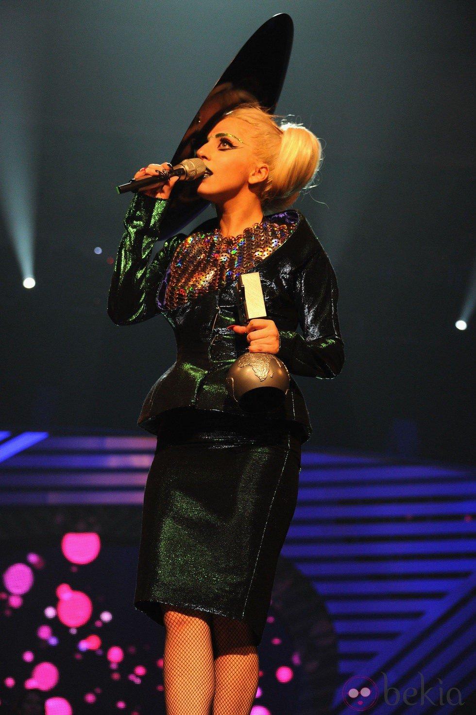 Lady Gaga - Σελίδα 19 11895_10