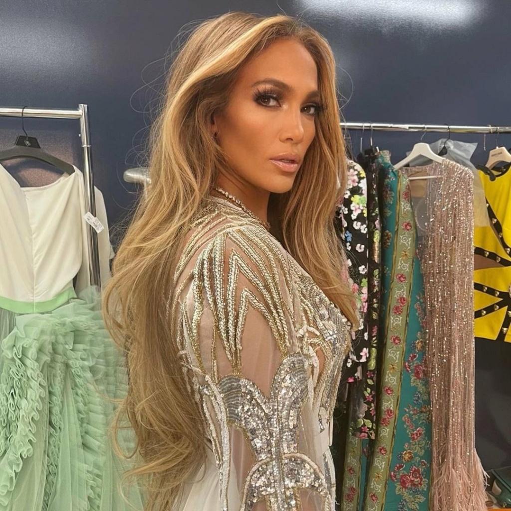 Jennifer Lopez - Σελίδα 11 20210514