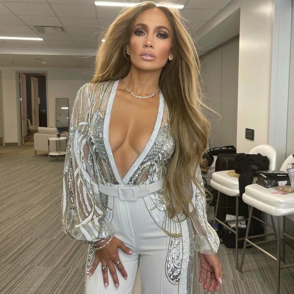 Jennifer Lopez - Σελίδα 11 20210515