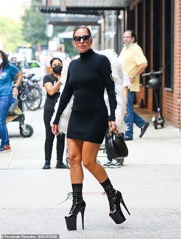 Lady Gaga - Σελίδα 23 45976510