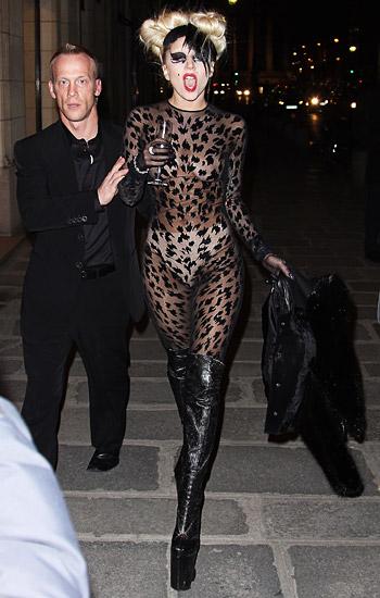 Lady Gaga - Σελίδα 19 9rxwe10