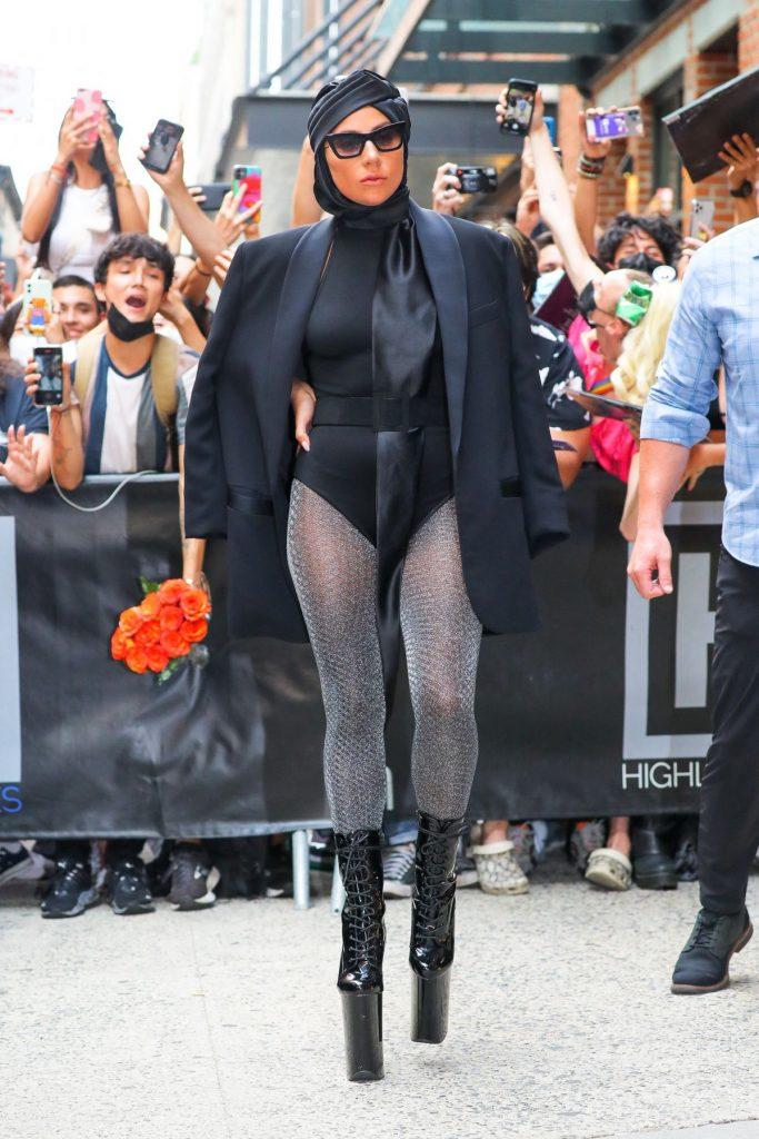 Lady Gaga - Σελίδα 23 Lady-g11