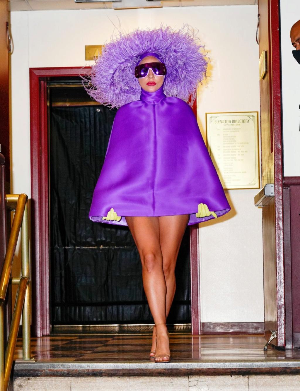 Lady Gaga - Σελίδα 23 Lady-g12
