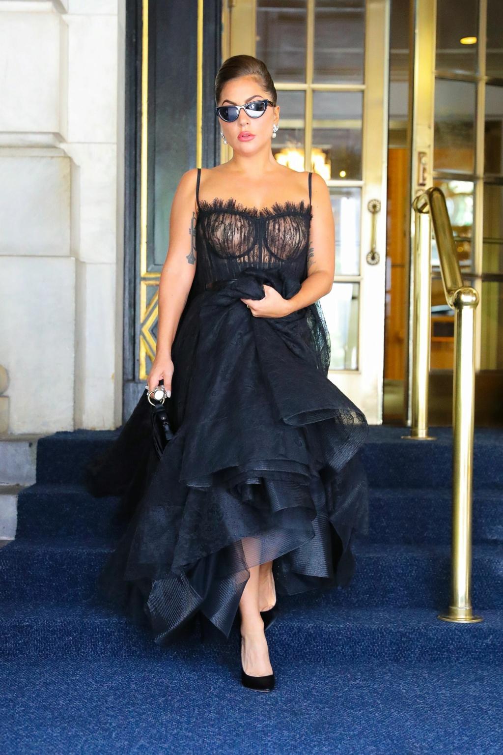 Lady Gaga - Σελίδα 23 Lady-g13