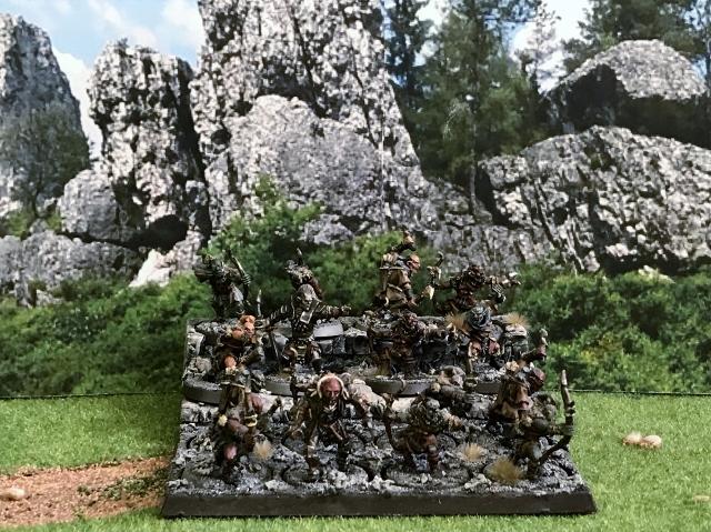 Sauron et ses 10 Armées - Update - Page 4 Img_2044