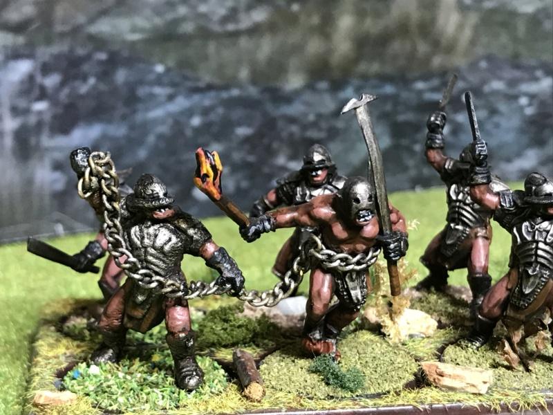 Sauron et ses 10 Armées - L' Armée de L'Immortel - Page 5 Img_2718