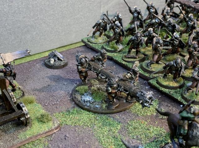 Sauron et ses 10 Armées - L' Armée de L'Immortel - Page 5 Img_3535