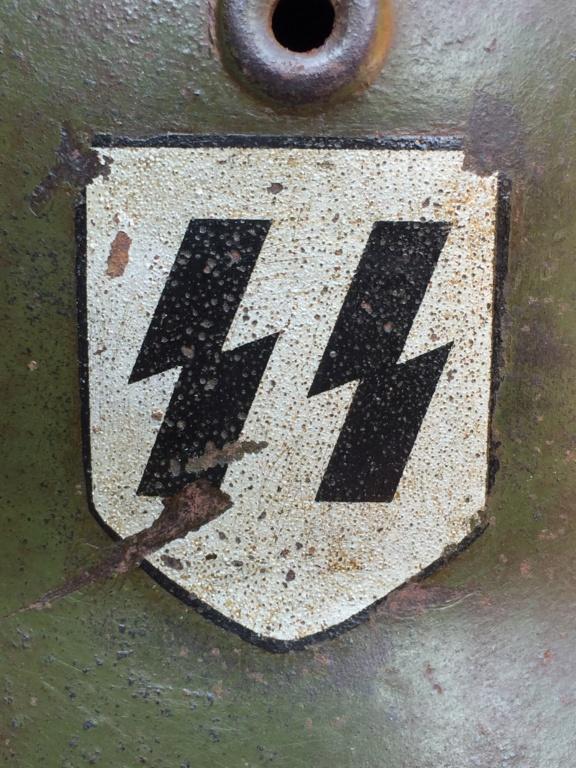 Insigne SS sur m42 à identifier  35fe8510