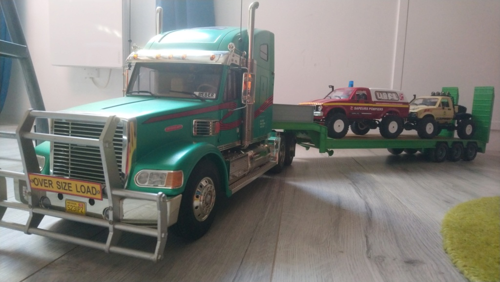 Voilà mais camion rc Dsc_1010