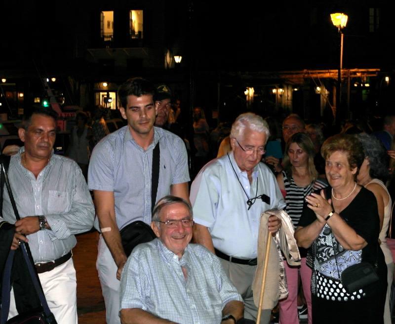 Miembros actuales de la Casa Real Griega - Página 5 Gri611