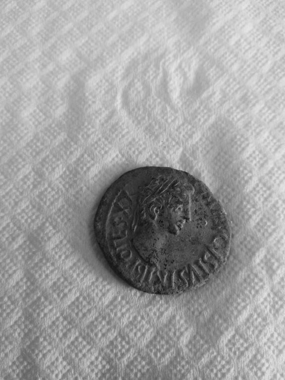 As de Caesaraugusta, época de Augusto. CAES AVGVSTA - CN DOM AMP C VET LANC. Sacerdote con yunta a dcha. Anvers12