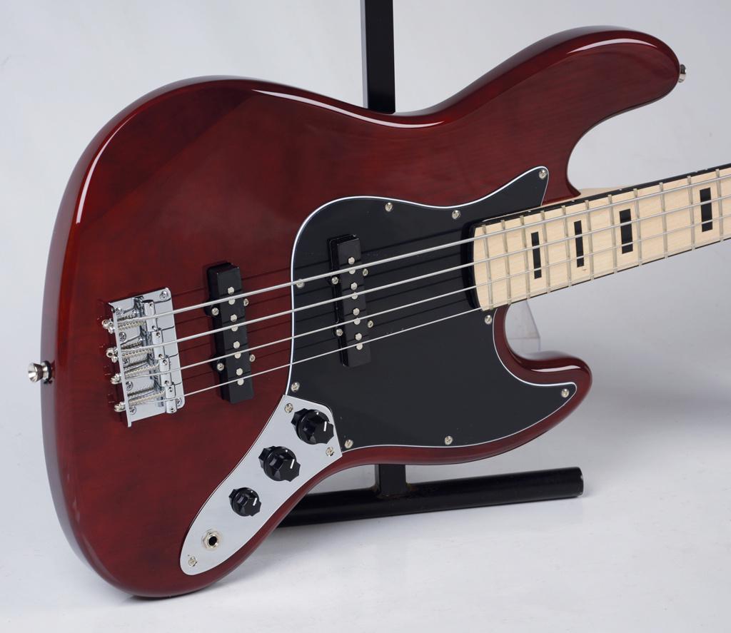 Strinberg lança uma linha jazz Bass. Strinb13