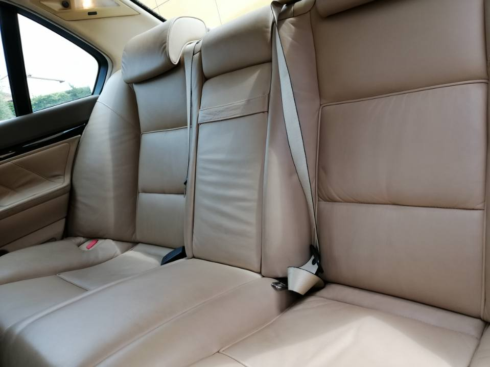 Ma 1er BMW --> 740 ia 1995 Img_2013