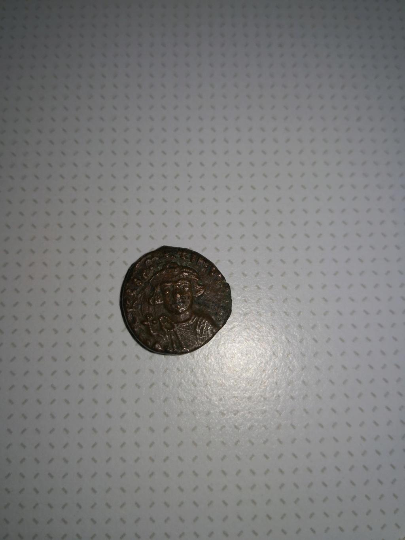 Identification d'une petite pièce  Face_a12