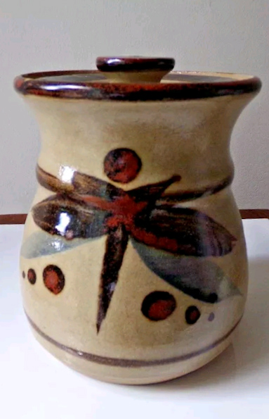 Lidded Jar or Pot Stoneware? MB mark Lrm_ex10