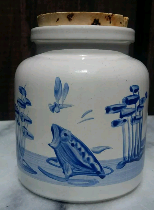 White and Blue Jar Cork lid wildlife theme signed MT Screen10