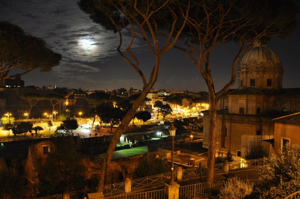 Lazio :  A spasso con i fantasmi dell'Antica Roma. Night-10