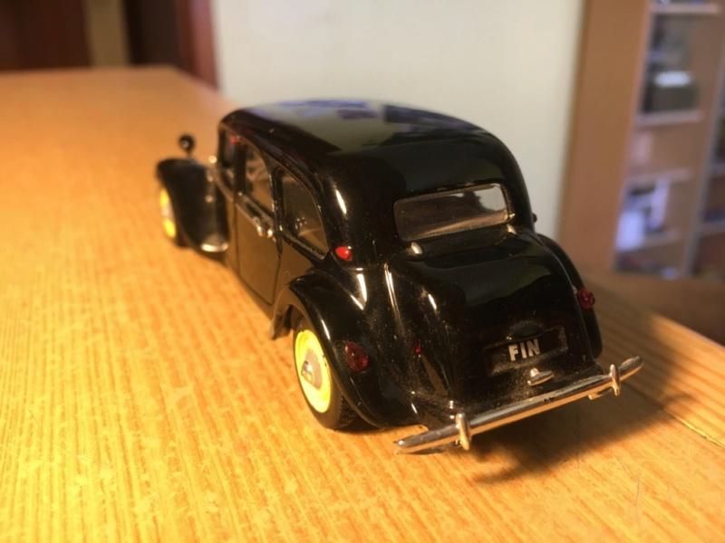 Ma collection de Citroën miniatures Img_1929
