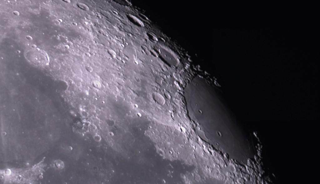 Deux bouts de lune  2021-010