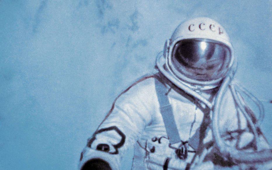 Leonov 1ere sortie dans l'espace - Page 2 Leonov10