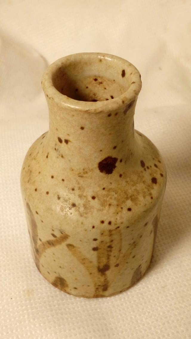 Sweet little stoneware bottle vase. Unsigned. 20200265