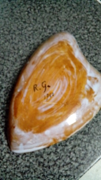 R.G. 1960. Primitive-looking sgraffito shallow dish.  20200473