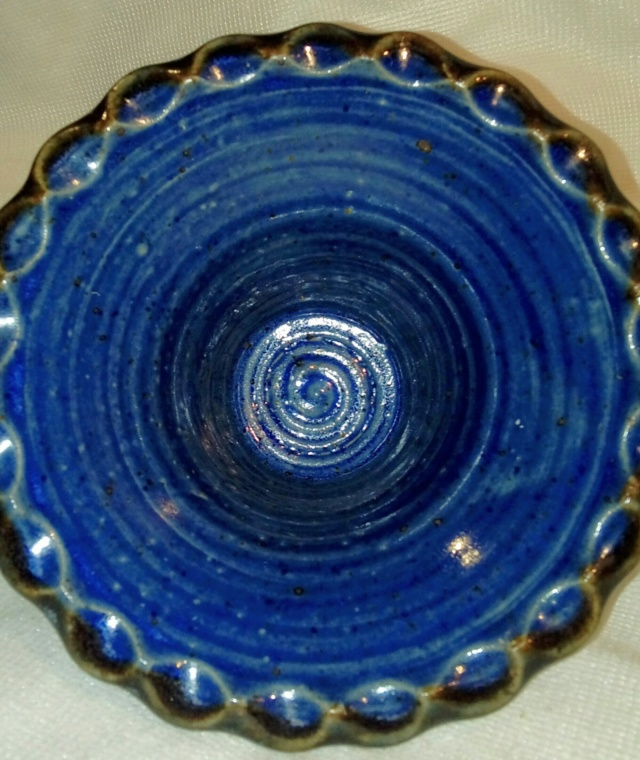 Unsigned 2-piece Flower Bowl. 20200787