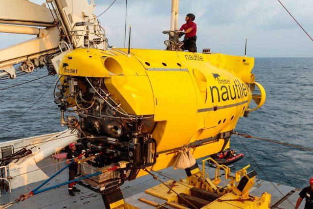 Le Nautile Sous marin d'exploration de l'Ifremer au 1/8 ème Nautil10