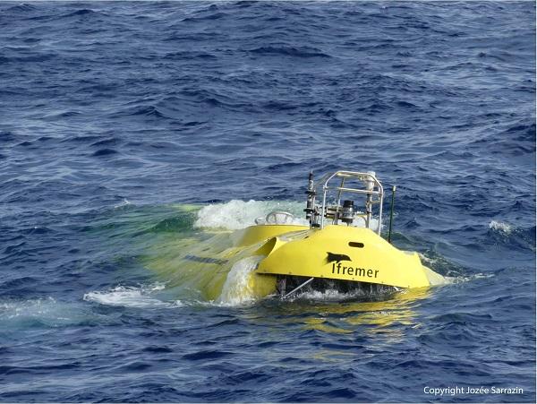 Le Nautile Sous marin d'exploration de l'Ifremer au 1/8 ème - Page 3 Nautil31