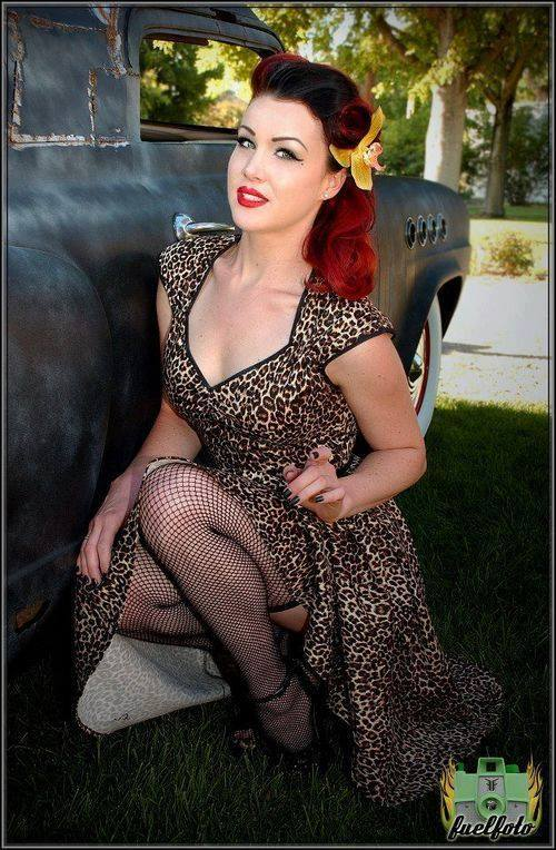 Pin-up et hotesse - Page 40 13179210