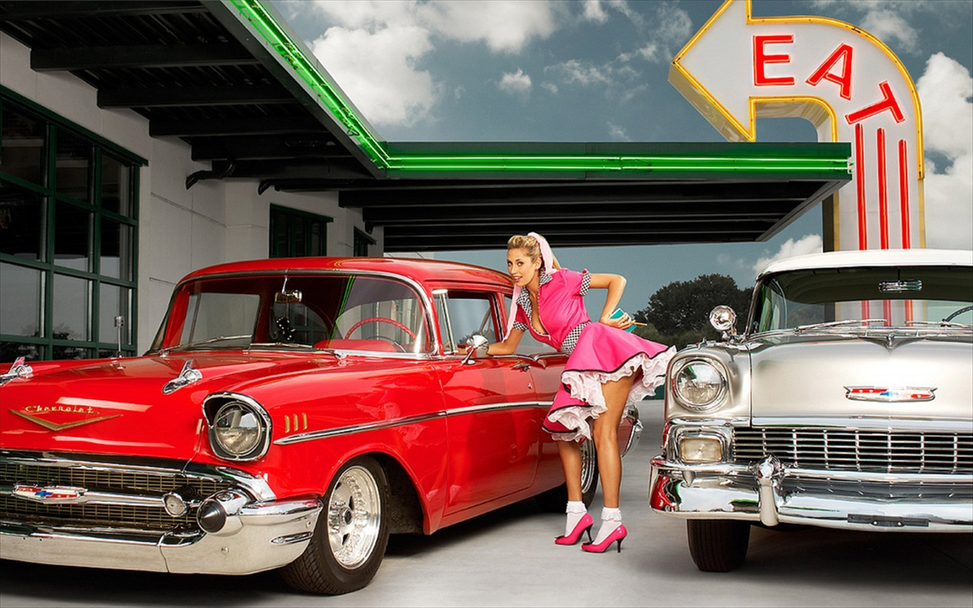 Pin-up et hotesse - Page 29 Car_gi11
